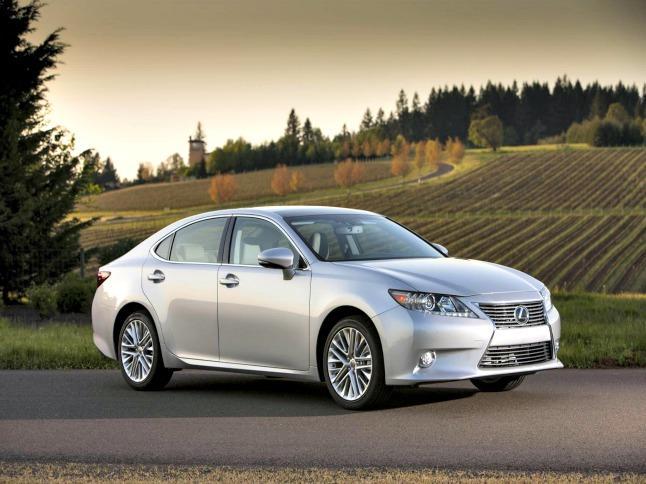 2013 Lexus ES 350: New bold image for upscale sedan 6