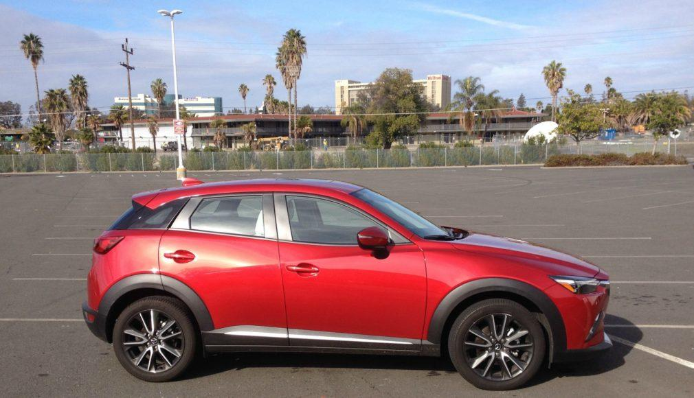 2016 mazda cx 3 debuts well in tough small suv field. Black Bedroom Furniture Sets. Home Design Ideas