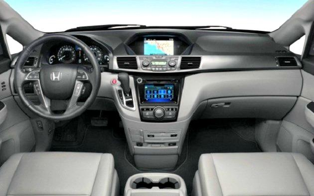 The interior of the 2017 Honda Ridgeline is modern and functional.