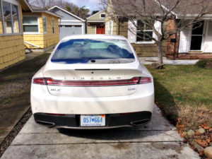 2017 Lincoln MKZ Hybrid: Efficient, luxurious, priced right 3