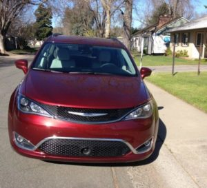 2017 Chrysler Pacifica: New strong rival in minivan niche 4