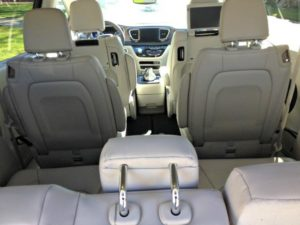 2017 Chrysler Pacifica: New strong rival in minivan niche 5