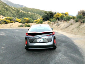 2017 Toyota Prius Prime: Into the mountains with ease 3