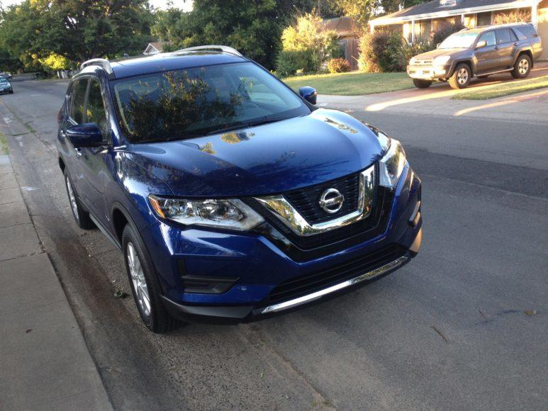 2017 nissan rogue hybrid nice try can 39 t match suv stars. Black Bedroom Furniture Sets. Home Design Ideas