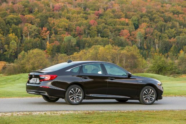 PREVIEW: 2018 Honda Accord Hybrid, priced lower 2