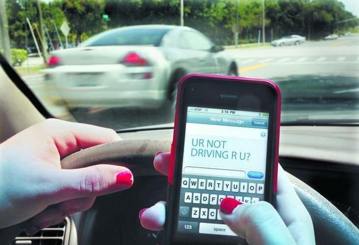 Common sense tips to avoid driving and texting 2