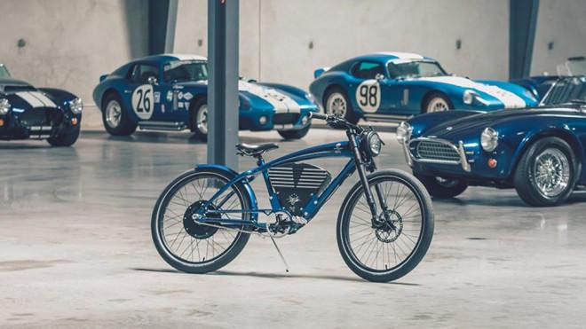 Two-wheeled Cobra
