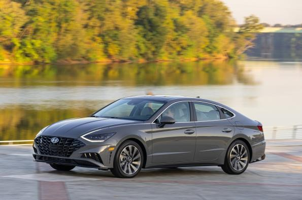 The Weekly Driver: The 2020 Hyundai Sonata has been rredesigned and offers a top midsize seda value.