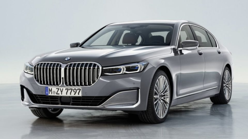 The BMW 7 Series and two sibings are among the top-10 vehicles with the worst depreciation.
