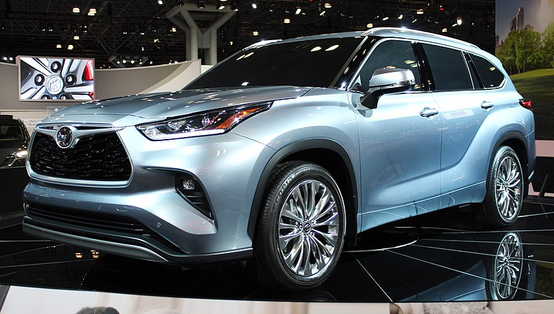 The 2020 Toyata Highlander has a lots of new features but it has plenty of new competitors.