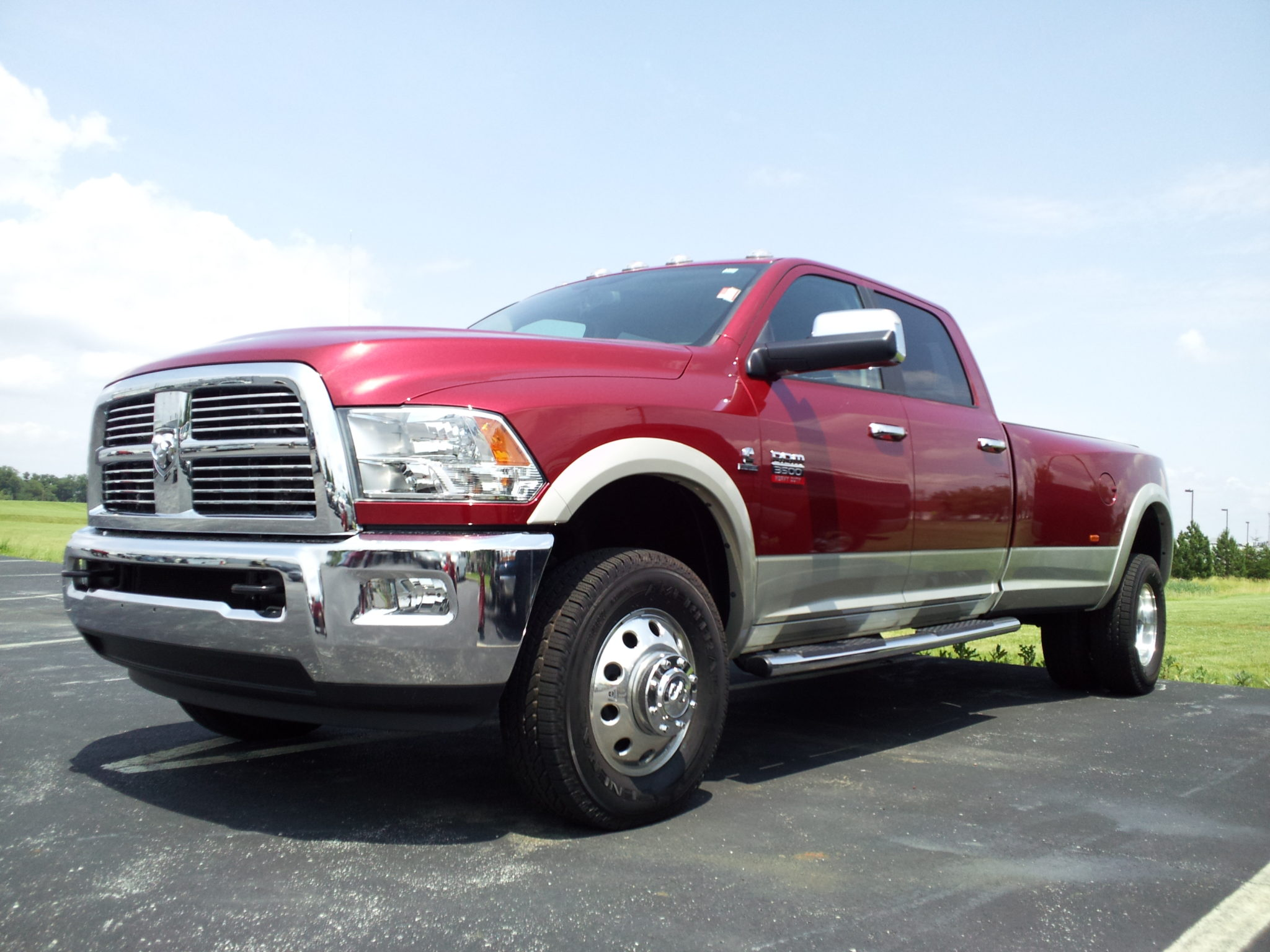 Ram pickup trucks' dilemma: wheels can fall off 2
