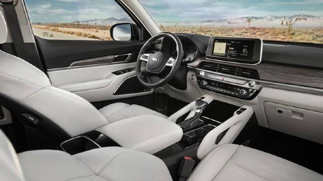 The 2022 Kia Telluride has new interior features.