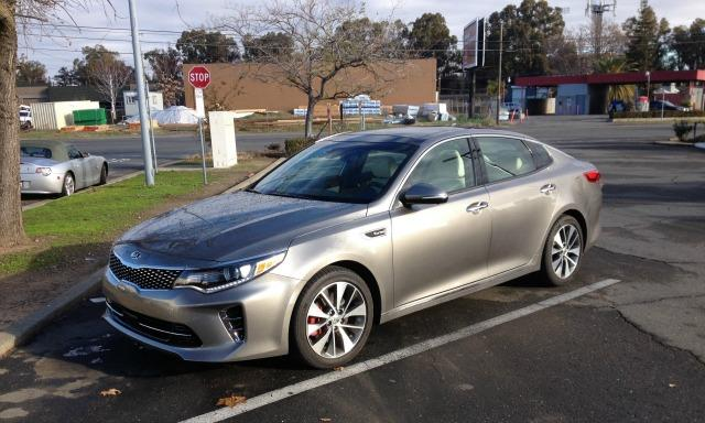 The 2016 Kia Optima has a new longer, wider and taller exterior design.