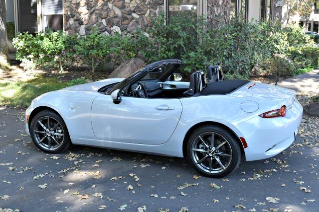 2017 Mazda MX-5 Miata: One size fits all for iconic roadster