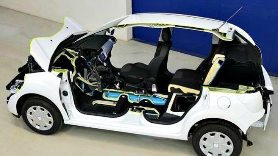 Peugeot has unveiled a compressed air hybrid system.