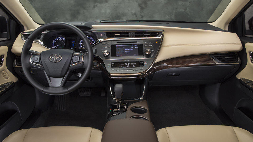 The interior of the 2013 Toyota Avalon resembles a Lexus.