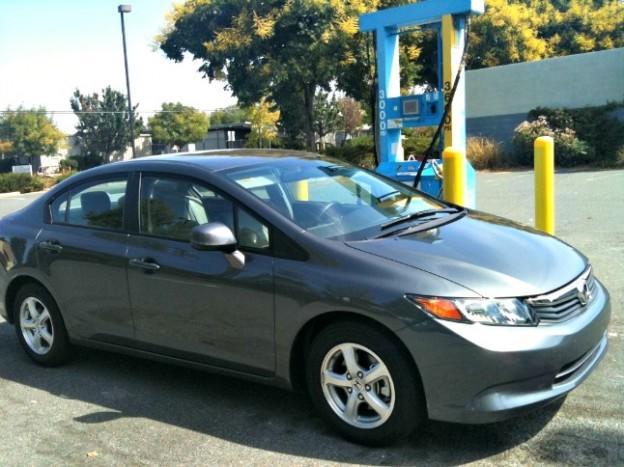2012 Honda Civic Natural Gas. Image © James Raia/2012