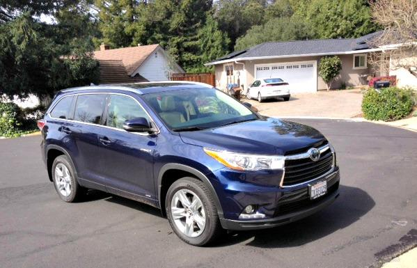 The 2016 Toyota Highlander hybrid has strong features list.