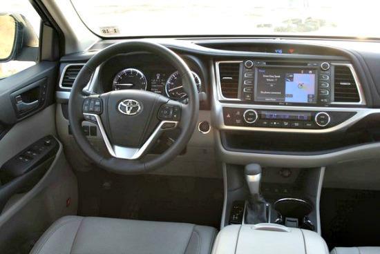 The sleek, efficient interior of the 2014 Toyota Highlander.