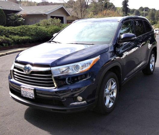 The 2016 Toyota Highlander hybrid offers a smooth drive.
