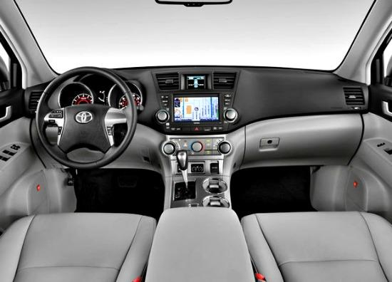 2013 toyota highlander polished roomy crossover the weekly driver. Black Bedroom Furniture Sets. Home Design Ideas