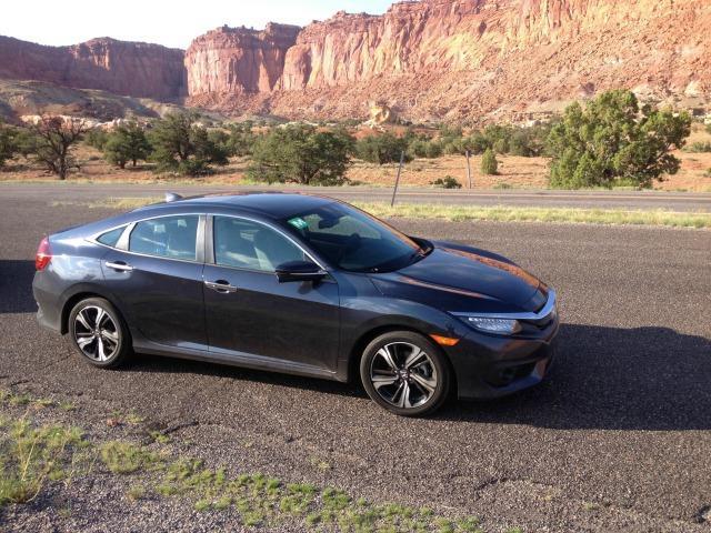 2016 Honda Civic: Tech features, desert companions 1