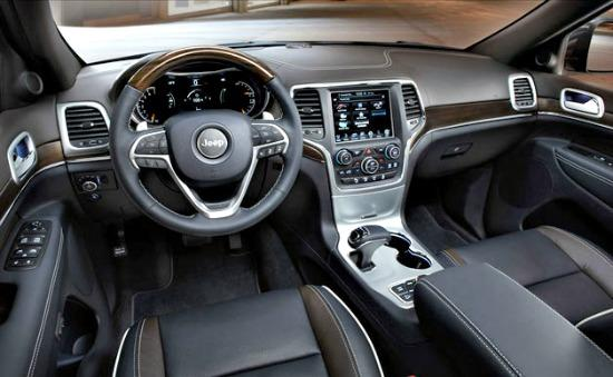 The plush, rugged interior of the 2014 Jeep Patriot.