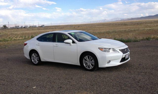 The Lexus ES 350 is an ideal sedan for a long-distance trip.
