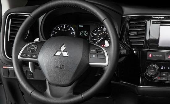 The 2014 Mitsubishi Outlander is redesigned for 2014.