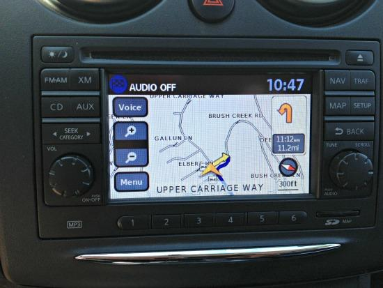 The 2013 Nissan Rogue features a small but efficient navigation system.