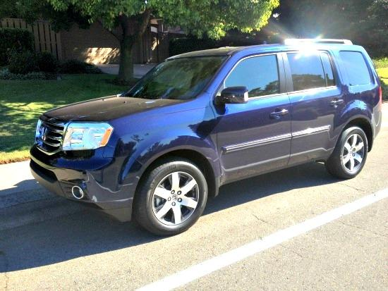 The 2013 Honda Pilot is the largest SUV in the carmaker's lineup. Images © James Raia/20113