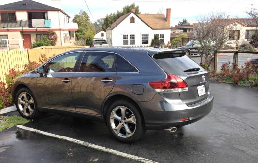 2014 Toyota Venza side view.