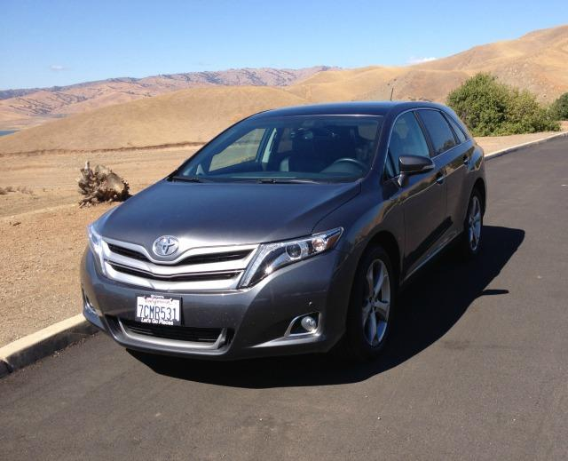 2014 Toyota Venza: Versatile SUV drives like a car 4