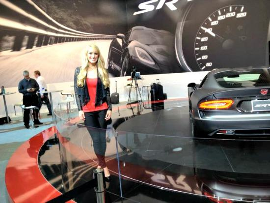 Women of the LA Auto Show: Sexy, smart, fun 2